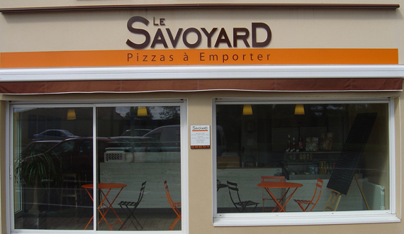 devanture-pizzeria-Le-Savoyard-Bouaye-Nantes-sud-44